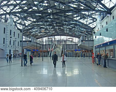Lodz - Poland. 18 June 2019: Half-empty Train Station In Lodz During Quarantine. Modern Huge Station