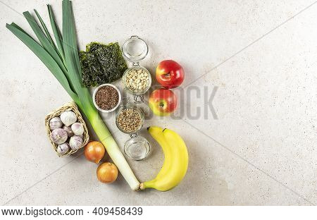 Prebiotic Foods Are Types Of Dietary Fiber That Feed The Friendly Bacteria In Your Gut. Healthy Conc