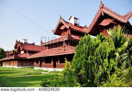 Mandalay Palace The Last Burmese Monarchy Royal Residency For Majesty At Mandalay Hill For And Burma