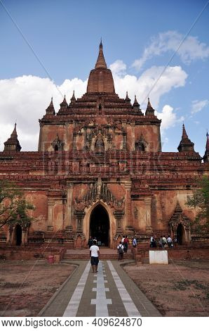 Sulamani Temple Pagoda Chedi Burma Style For Burmese People And Foreign Travelers Travel Visit Respe