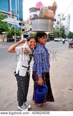Travelers Thai Women Travel Visit Buying Food Burma Style And Take Photo With Burmese Woman Vendor H