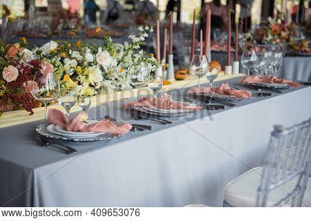Stylish Wedding Decor For Newlyweds On Table