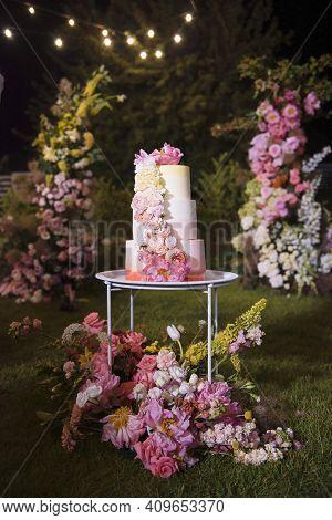 Amazing Wedding Cake Decorated With Various Flowers