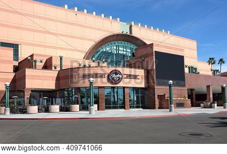 ANAHEIM, CA, FEBRUARY 11, 2015: Standing 'O' Restaurant and Bar at the Honda Center. The arena is home to the Anaheim Ducks of the NHL and the Los Angeles Kiss of the Arena Football League.