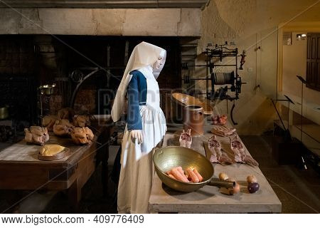 Beaune, France - August 03, 2019. Nun Preparing Meals For The Sick In A De Beaune In France