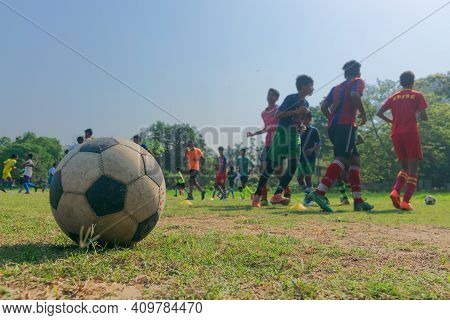 Howrah,west Bengal,india- 22nd April 2019 : Football Playing Students At Ground Of Indian Institute