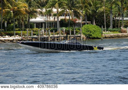 Expensive Racing Speed Boat Cruising The South Florida Waterways
