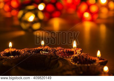 Diwali Diyas Pictures With Bookeh Light Effect, Bookeh Background.