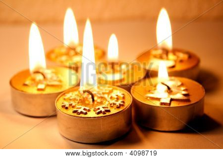 Golden Snowflake Candle