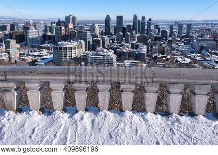 Montreal, Canada - 4 February 2021: Montreal Skyline From Kondiaronk Belvedere In Winter.