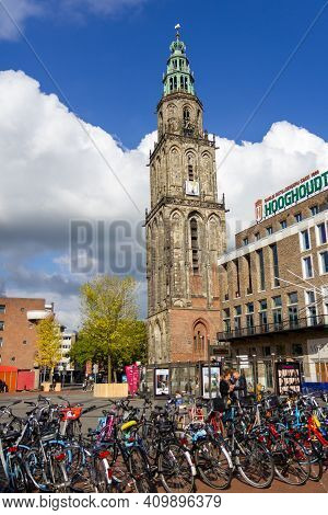 Groningen, The Netherlands - 17 Oct, 2020: The Martini Tower At The Square In Groningen With Bicycle