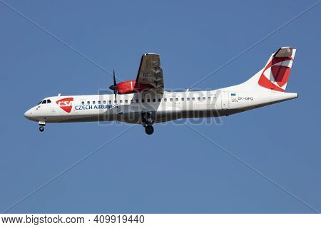 Budapest, Hungary - March 9, 2020: Csa Czech Airlines Atr-72 Ok-gfq Passenger Plane Arrival And Land
