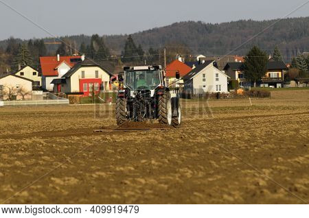 Settlement Area Versus Arable Crops, Agriculture And A Residential Area