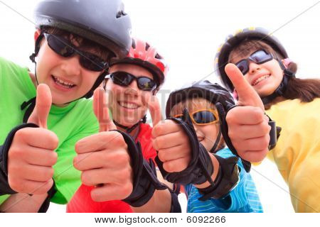 Kids giving thumbs up