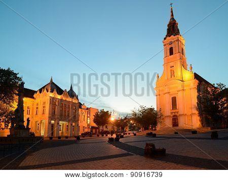 King Bela Square By Night