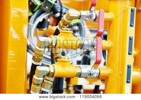 Hydraulic pressure pipes and connection fittings of industrial equipment