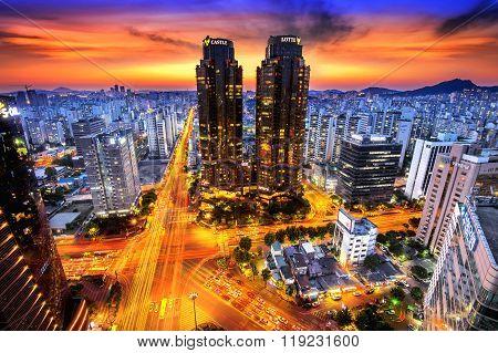 Korea night view Night traffic speeds at Lotte in Seoul.