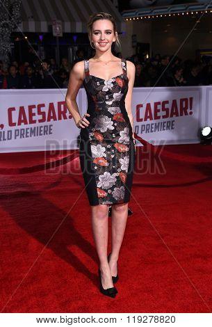 LOS ANGELES - FEB 01:  Natasha Bassett arrives to the