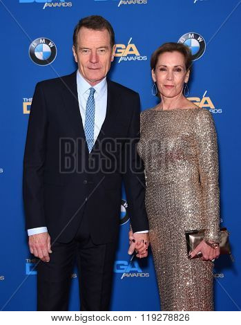 LOS ANGELES - FEB 06:  Bryan Cranston & Robin Dearden arrives to the Directors Guild Awards 2016  on February 06, 2016 in Century City, CA.