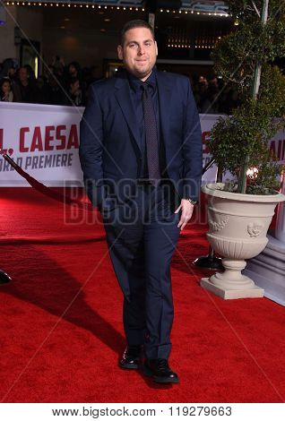 LOS ANGELES - FEB 01:  Jonah Hill arrives to the