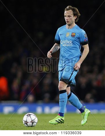 LONDON, ENGLAND - FEBRUARY 23: Ivan Rakitic of Barcelona during the Champions League match between Arsenal and Barcelona at The Emirates Stadium