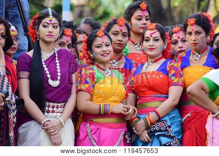 Young Girl Dancers Waiting To Perform Holi (spring) Festival In Kolkata.