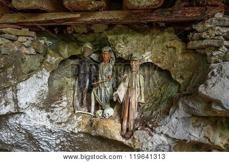 Wooden Statues Of Tau Tau In Tampangallo Burial Cave At Tana Toraja. Indonesia