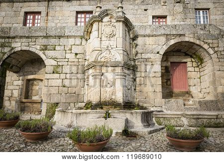 Chafariz das três bicas - Castelo Novo