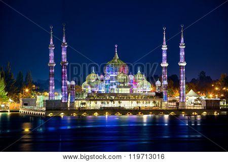 Masjid Kristal (Crystal Mosque)