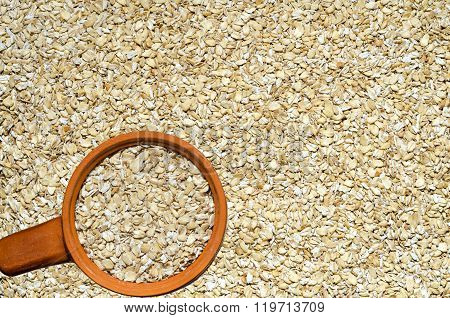 Background of oats rassypannoj on the surface
