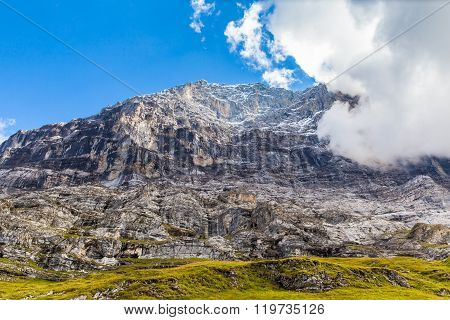 Under The Eiger North Face