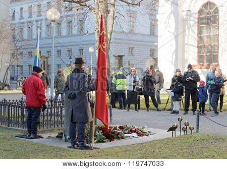 People Showing Respect To The Murdered Prime Minister Olof Palme