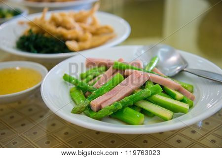 Fried Asparagus With Ham