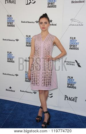 LOS ANGELES - FEB 27:  Bel Powley at the 2016 Film Independent Spirit Awards at the Santa Monica Beach on February 27, 2016 in Santa Monica, CA