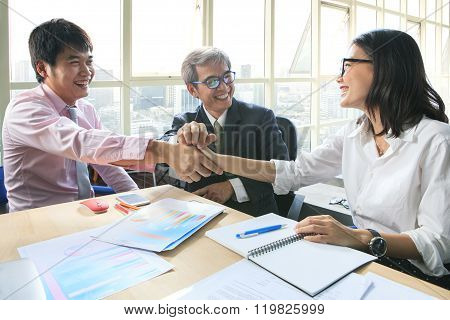 Business Team Work Meeting To Conflict Problem Solution With Good Condition,shaking Hand