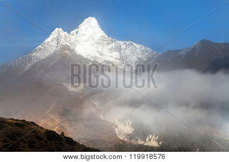 Ama Dablam - Way To Everest Base Camp