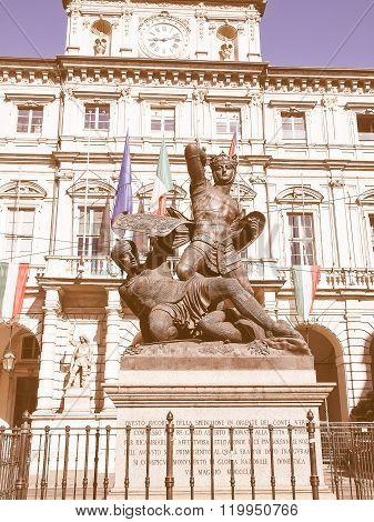 Conte Verde Statue Vintage
