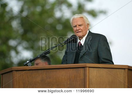 NUEVA YORK - 25 de junio: Reverendo Billy Graham predica en la mayor Nueva York Billy Graham cruzada el 25 de junio,