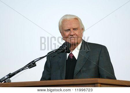 NUEVA YORK - 25 de junio: Reverendo Billy Graham predica en su cruzada 25 de junio de 2005 en Flushing, Nueva York.