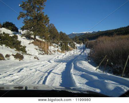 Snowonroaddriving