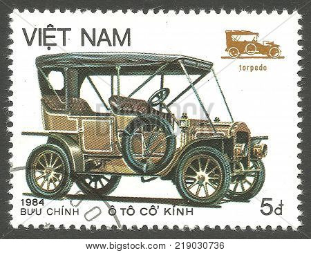 Vietnam - CIRCA 1984: stamp printed by Vietnam Memorable color edition Means of transport Series Old Automobiles