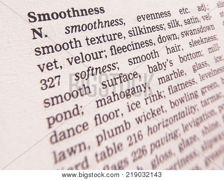 CLECKHEATON, WEST YORKSHIRE, UK: THESAURUS PAGE SHOWING DEFINITION OF WORD SMOOTHNESS, 30TH MARCH 2005, CLECKHEATON, WEST YORKSHIRE, UK