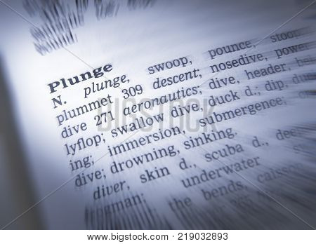 Cleckheaton, West Yorkshire, Uk: Thesaurus Page Showing Definition Of Word Plunge, 30th March 2005,