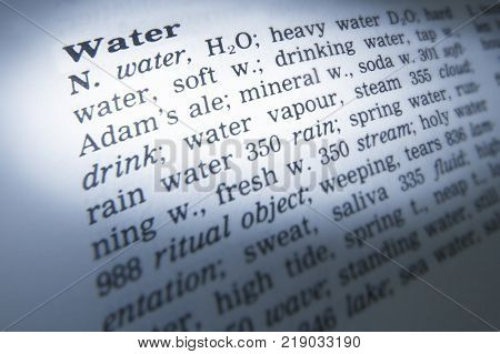 Cleckheaton, West Yorkshire, Uk: Thesaurus Page Showing Definition Of Word Water, 30th March 2005, C