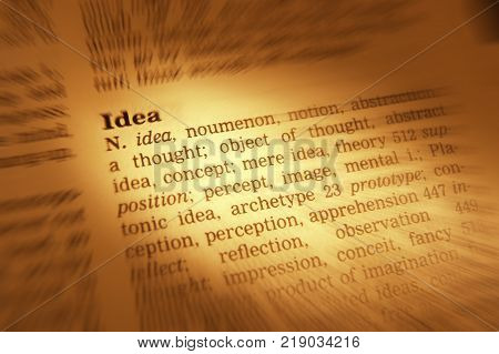 Cleckheaton, West Yorkshire, Uk: Thesaurus Page Showing Definition Of Word Idea, 30th March 2005, Cl