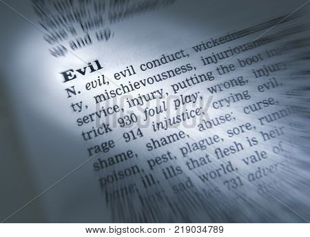 Cleckheaton, West Yorkshire, Uk: Thesaurus Page Showing Definition Of Word Evil, 30th March 2005, Cl