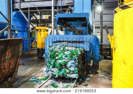 Separate Garbage Collection. Equipment For Pressing Debris Sorting Material To Be Processed In A Mod