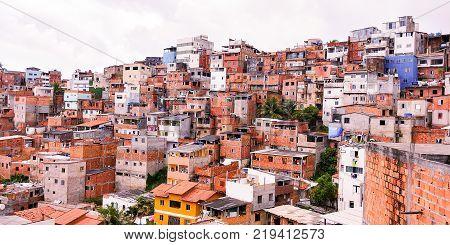 Paisagem urbana, favela. Arquitetura de lares sem arquitetos!