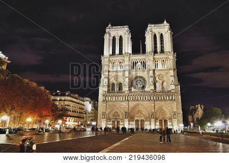 Notre Dame de Paris at night - HDR image.