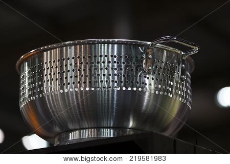 Sieve metal for washing with water ready pasta